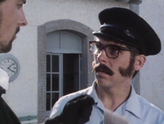 Danny Peacock in the film Fistful of Travellers Cheques