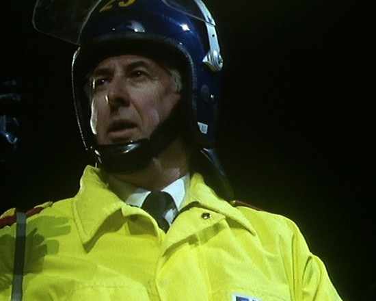 Is this Gareth playing a part in theOnly fools and horses Fatal Extraction riot police scene?